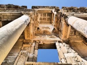 Éfeso (Biblioteca)