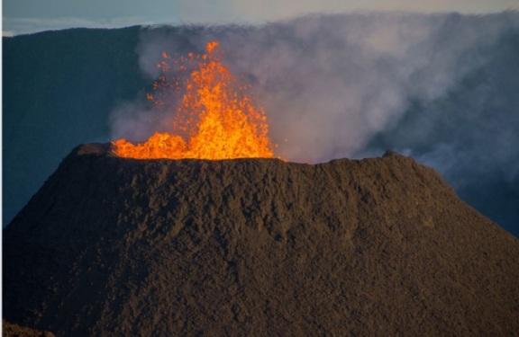 volcán en isla Reunión.jpg